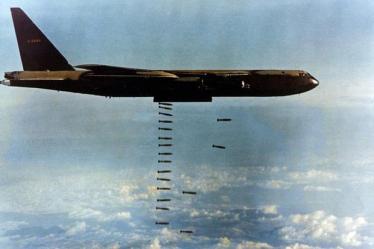 800px-B-52D(061127-F-1234S-017)