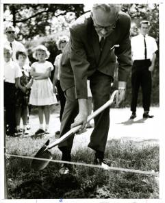Arnold Wicklund breaks ground - Bethel University Digital Library