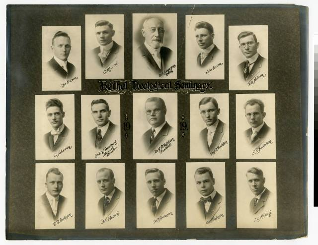 Bethel Seminary students and faculty in 1919