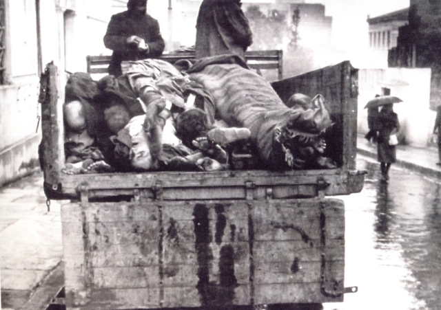 Greek victims of starvation in the winter of 1941-1942