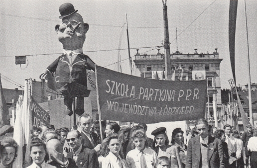 Anti-British protesters pillory Churchill in Łódź, Poland (1946) - Applebaum, Iron Curtain