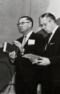 Dr. Bob Smith (r)